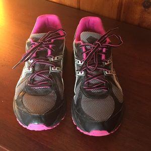 Shoes - Women sneakers